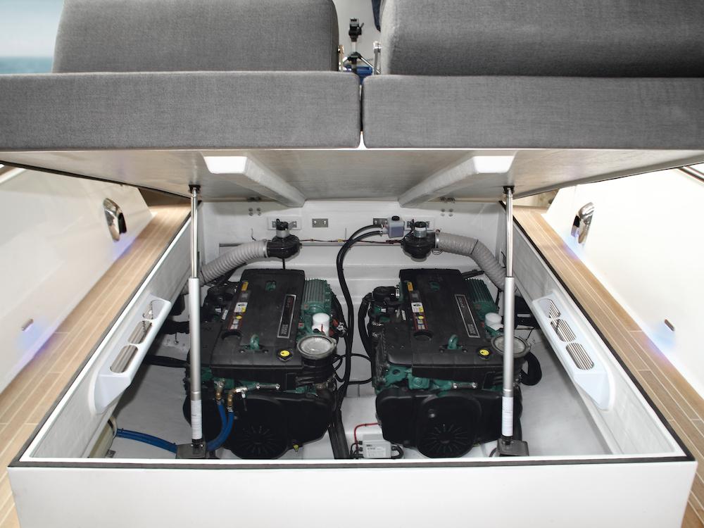 Double motorisation in-board