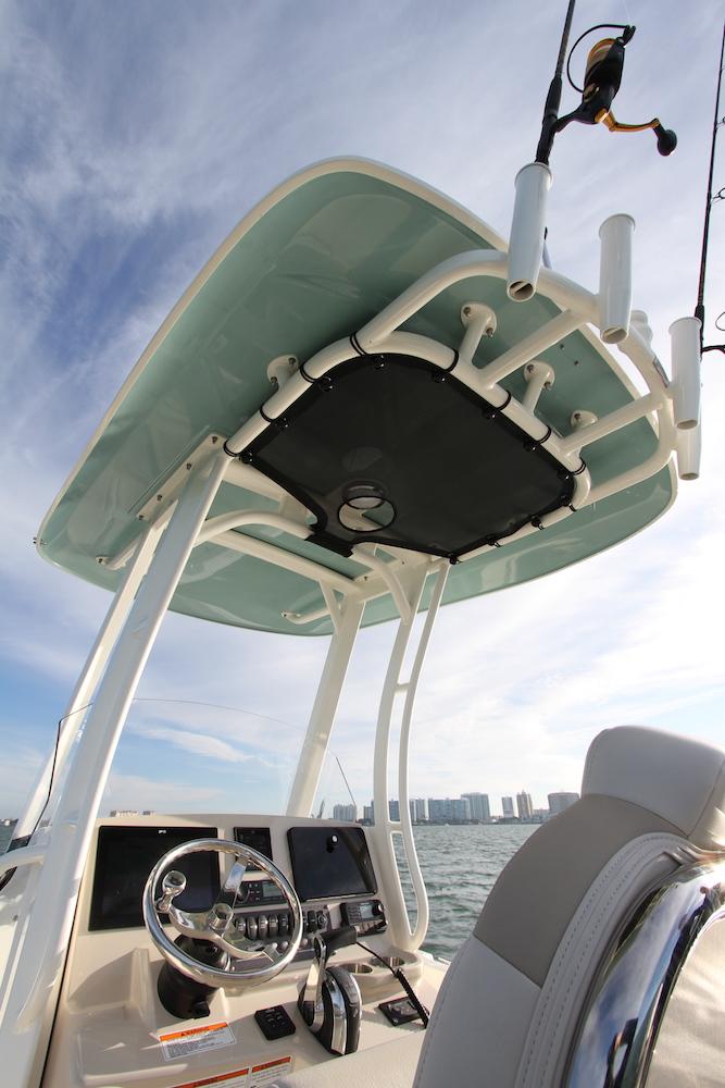 Boston Whaler 250 Dauntless_T-Top