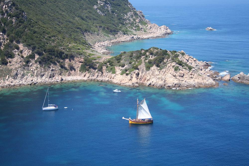 Navigation Corse crique
